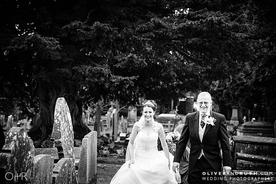 Bride and Dad arrive at Coity church