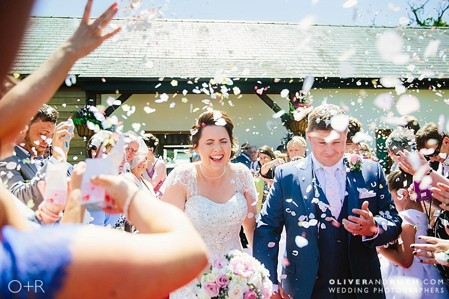 Oldwalls wedding confetti photo